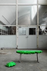 Organic-Factory_overproduction_plastic-waste_green-plasticbench-big_Ruben-Thier