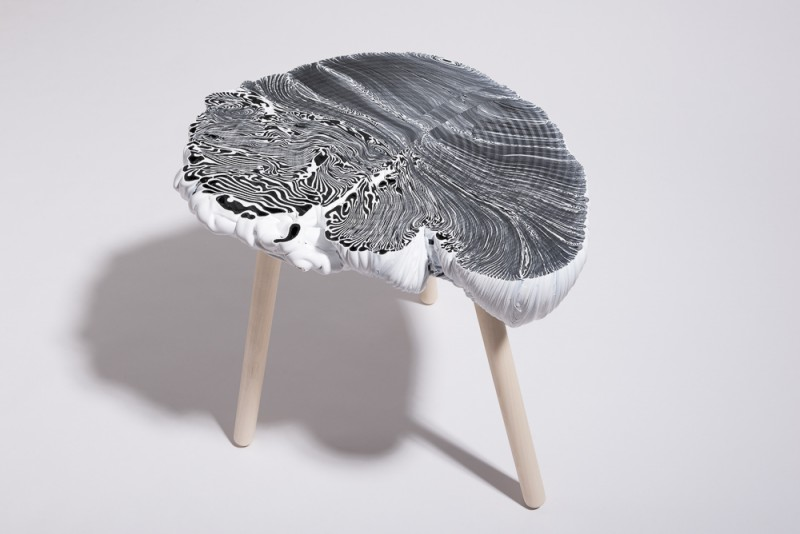 the Plastic mine - black&white side table - Studio Thier&vanDaalen - web-2